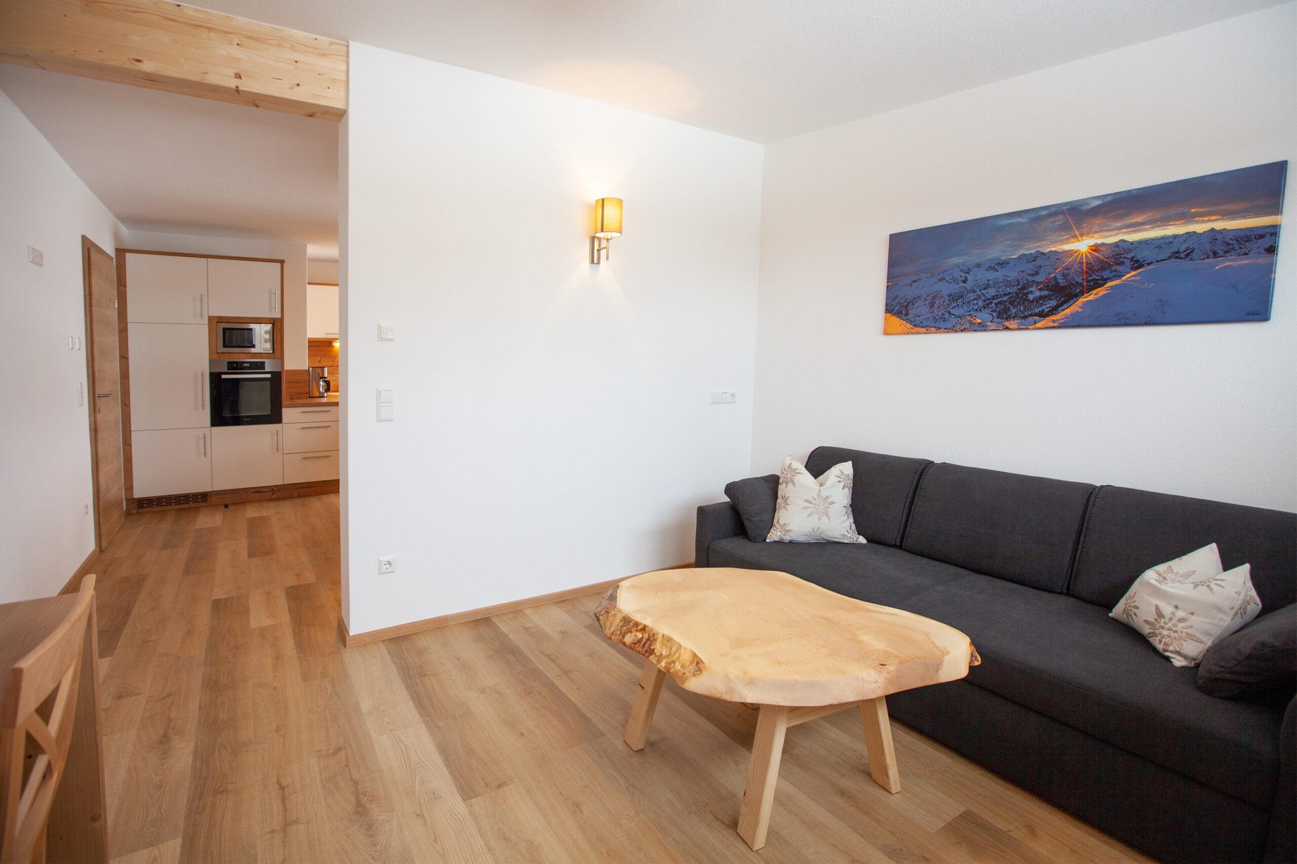 Ausziehbares Sofa im Apartment Hochbifang