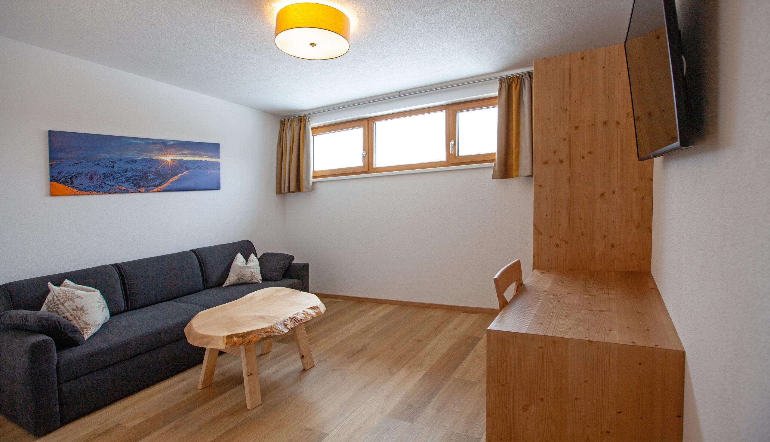 Wohnzimmer im Apartment Hochbifang
