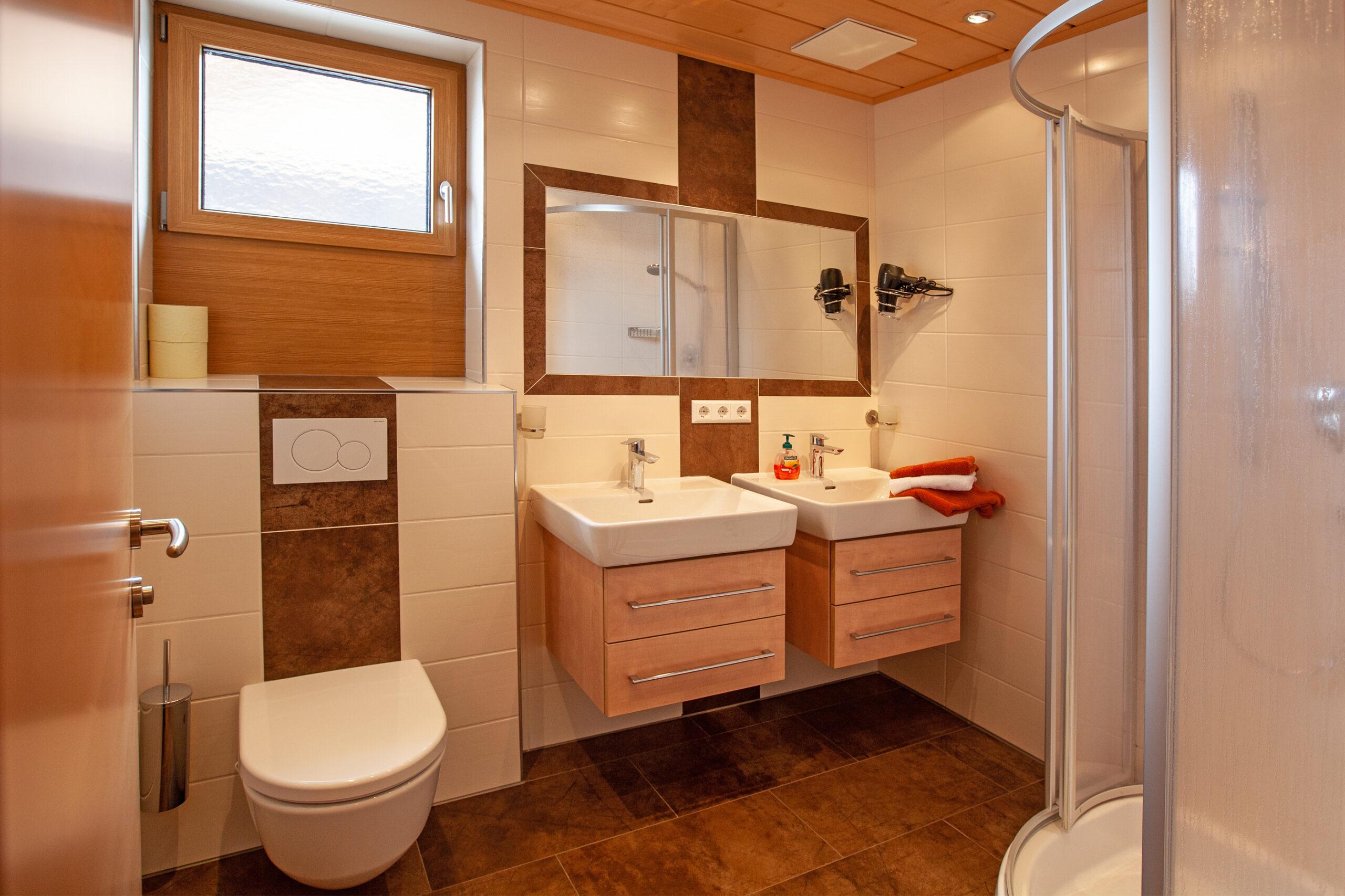 Badezimmer im Apartment Grießenkar