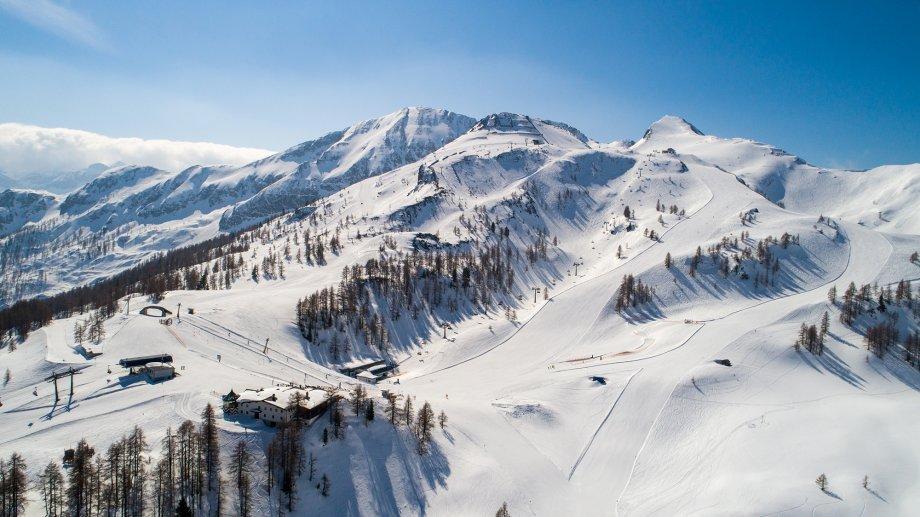 Panoramaansicht der Berge im Skigebiet Zauchensee
